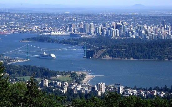 """Cruise ship leaving Vancouver"""
