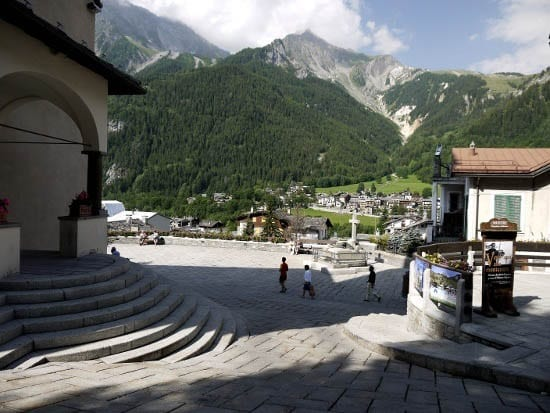 """Downtown Courmayeur"""
