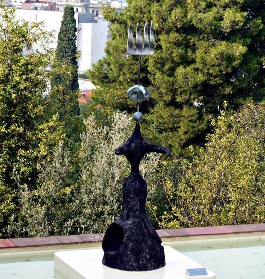 """This piece enjoys a Barcelona city view"""