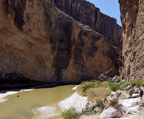 """Hiking along the Rio Grande in western Texas"""