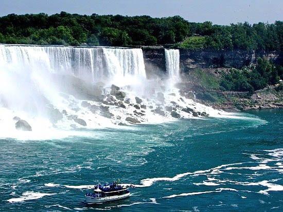 Travel Photo Thursday: Niagara Falls – Tacky or Beautiful?