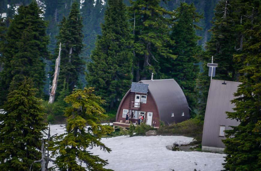 Elfin Lakes Lodge