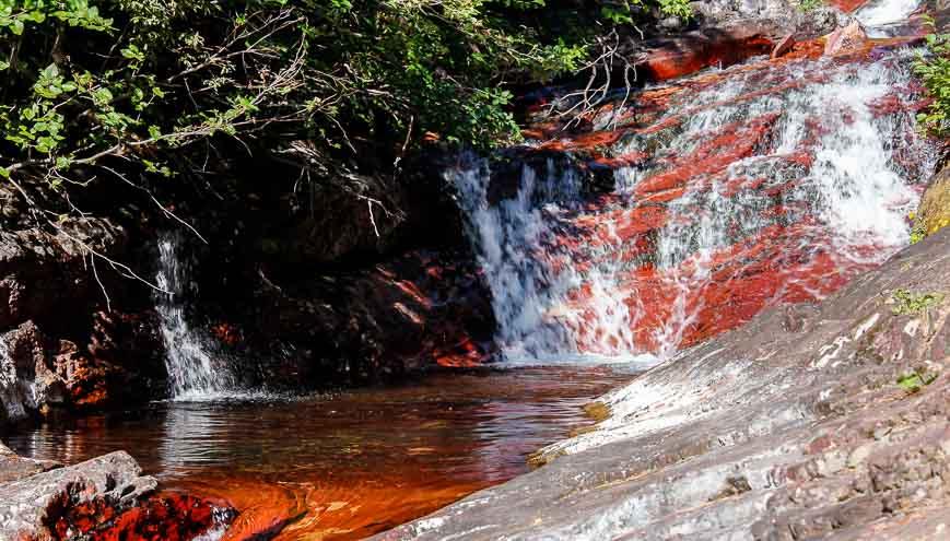 The brilliant red argillite of Rowe Creek