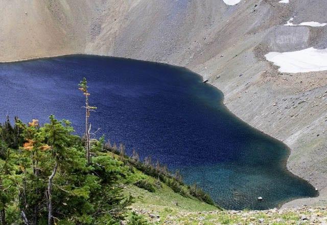 """Turquoise coloured Alderson Lake"""