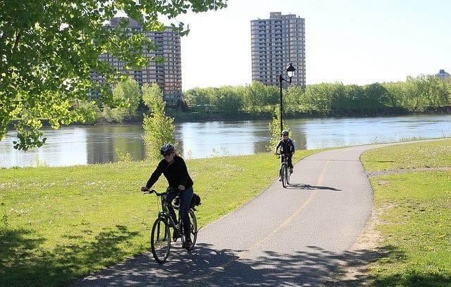 """Scenic bike path in Montreal"""