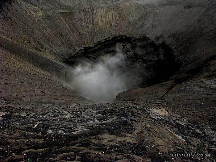 "Mount Semeru trekking & looking down inside the crater"""