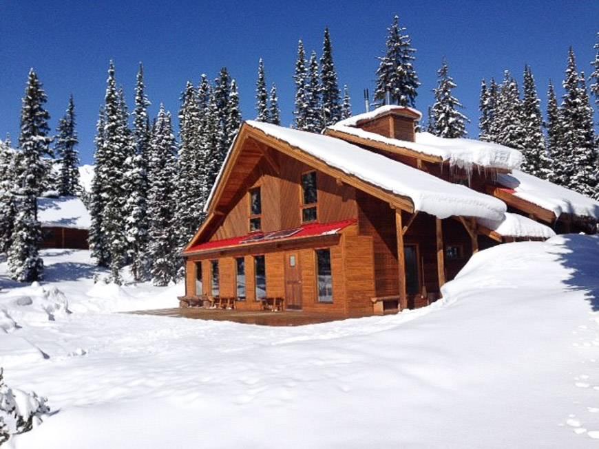 Mistaya Lodge