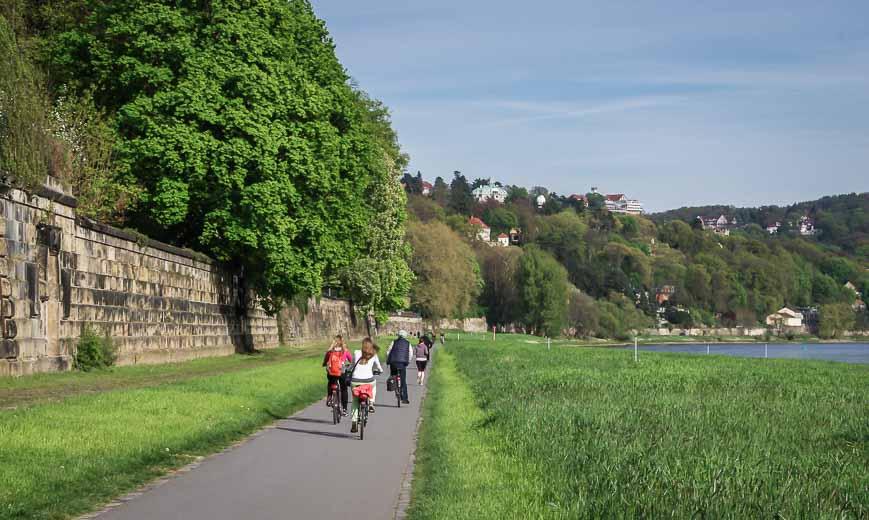 Super easy biking past castles and vineyards