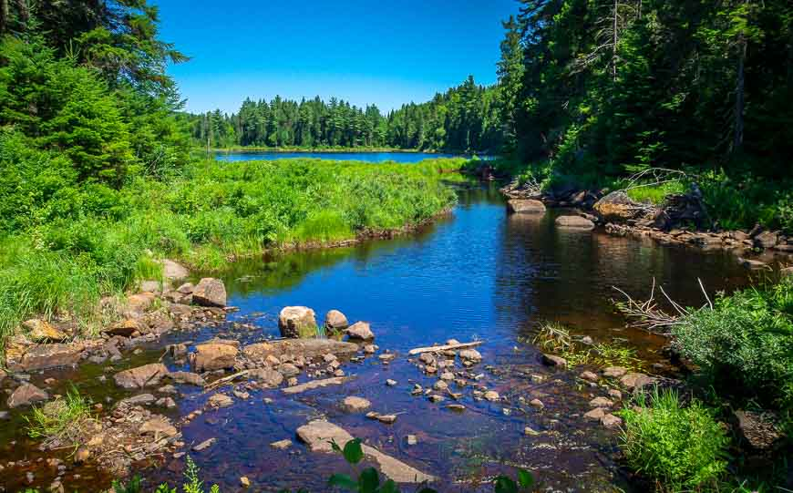 Hiking in La Mauricie past lake number 4