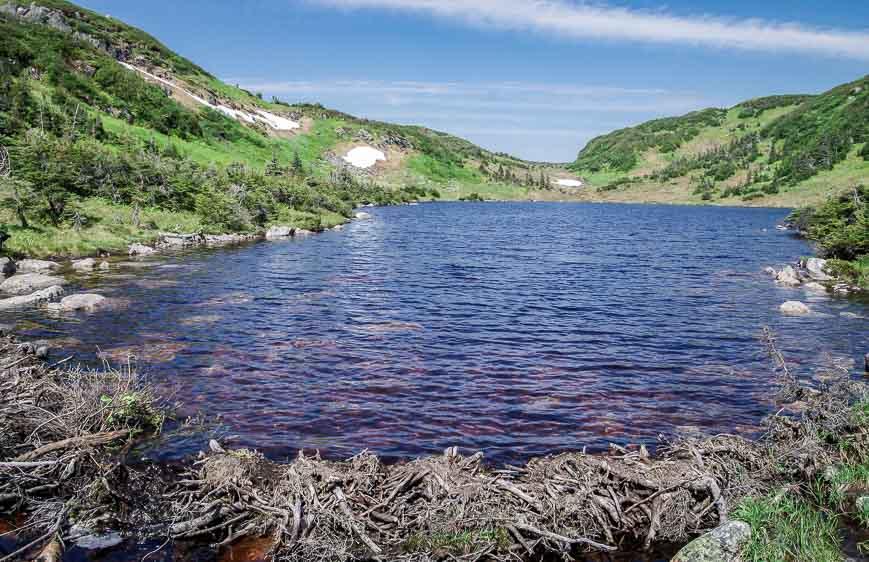 Crossing between two lakes