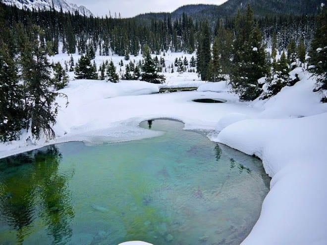 5 Easy Winter Adventures in the Canadian Rockies