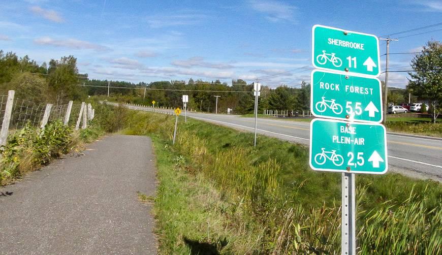 Good signage biking the Eastern Townships