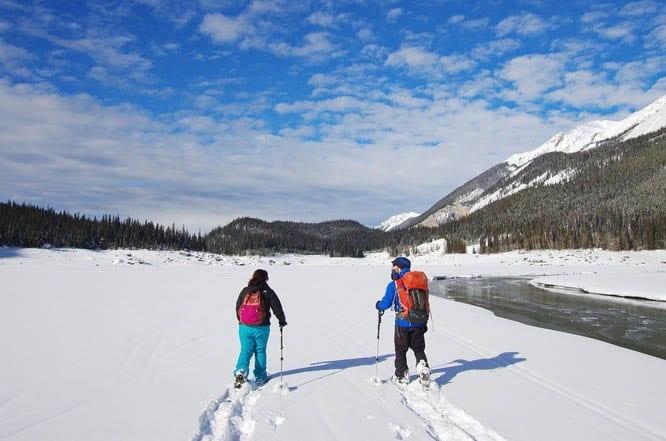 Snowshoeing in Jasper: The Medicine Lake – Watchtower Canyon Tour