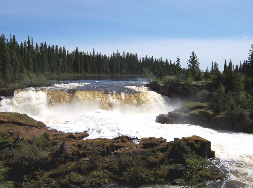 Pisew Falls in Pisew Falls Provincial Park