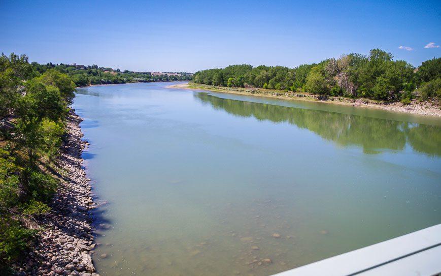 The South Saskatchewan River flows through Medicine Hat