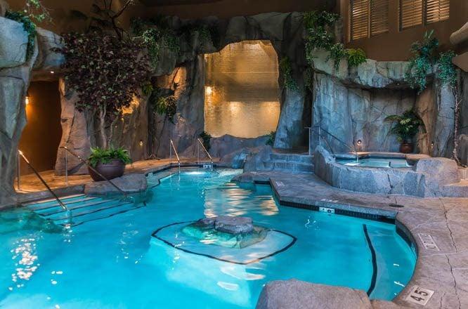 Grotto Spa At Tigh-Na-Mara Resort