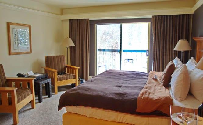 Deer Lodge hotel room at lake Louise