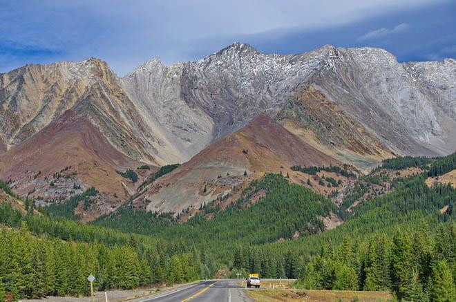 Scenery around Highwood Pass