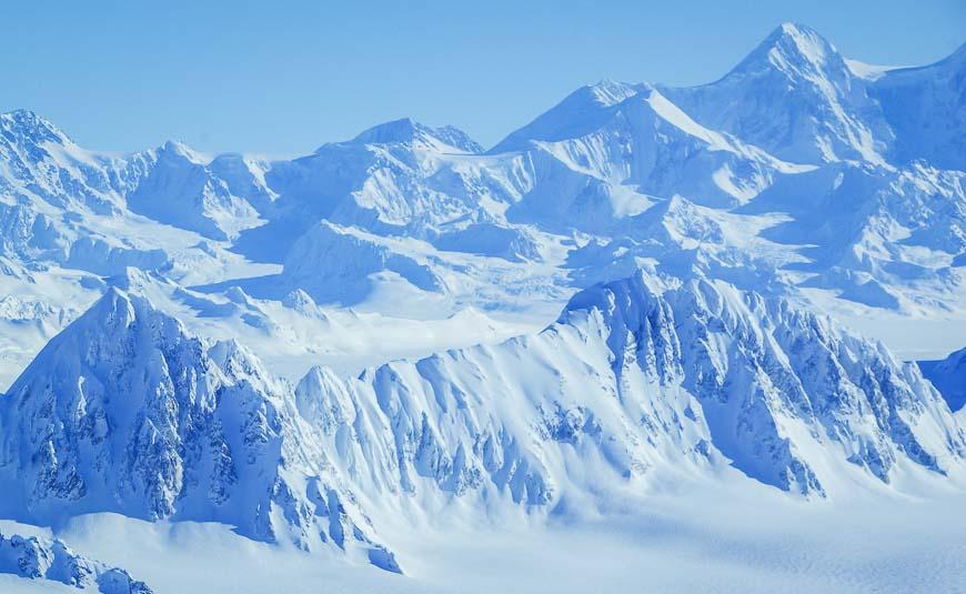 Fly by Mount Logan - Canada's highest peak