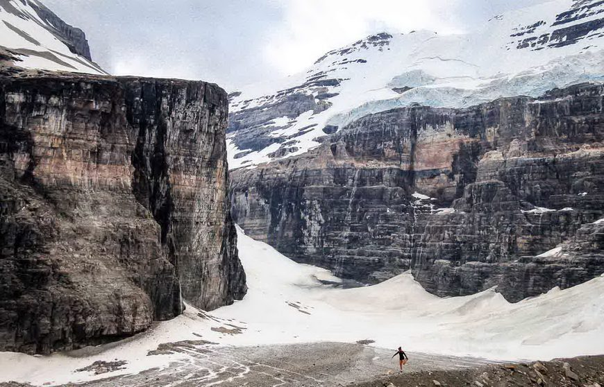 The Plain of the Six Glaciers hike