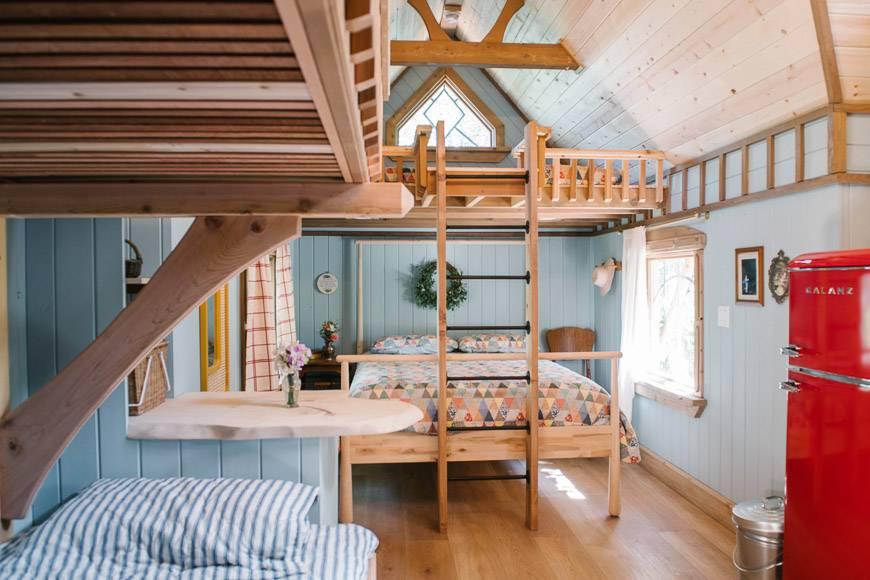The Midsummer Cottage