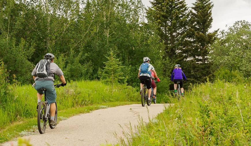Flat, easy sections of biking near Elkwater Lake