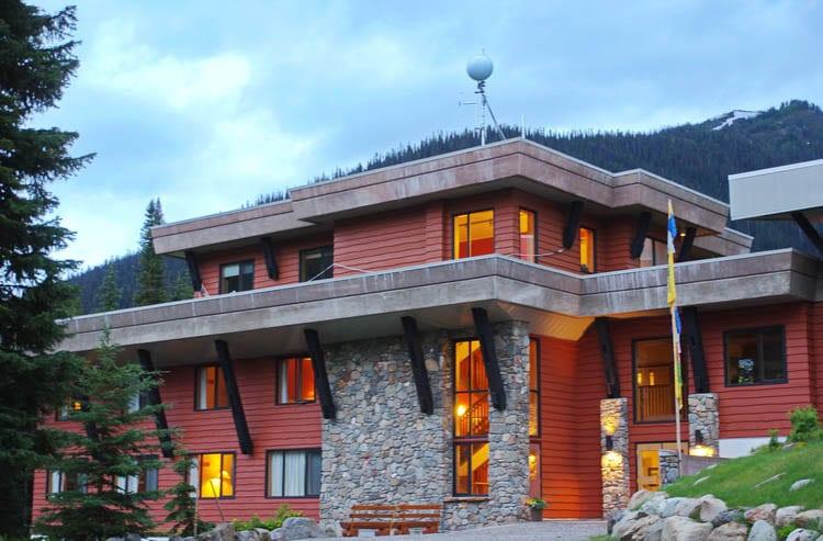 CMH Bugaboos Lodge