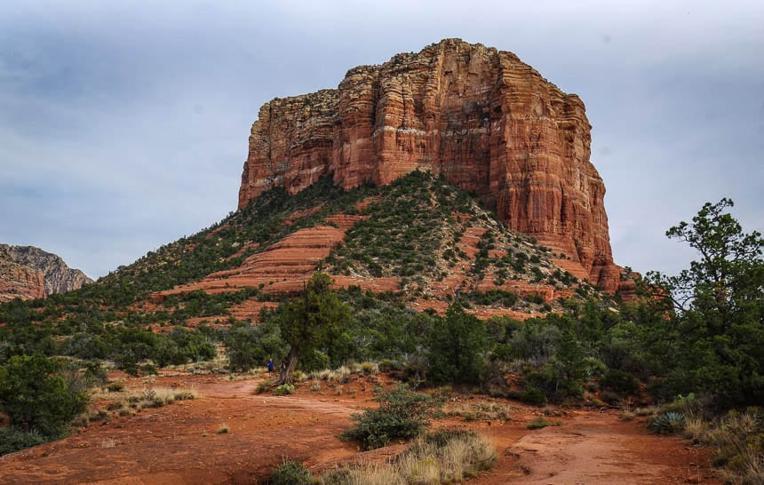 You can go in either direction around the Courthouse Butte - and and combine the hike with other trails
