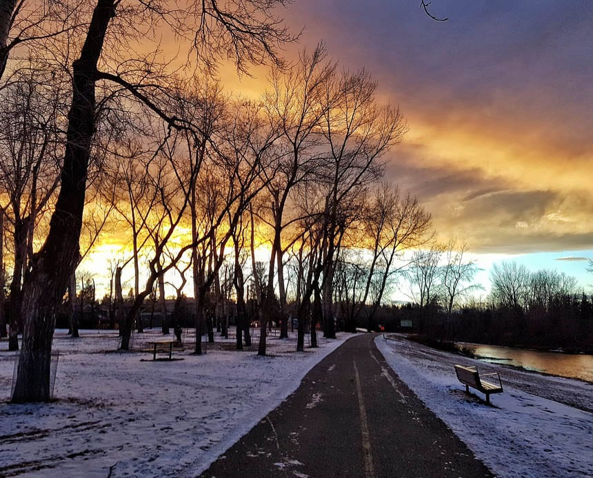 A winter walk along the Elbow River Parkway