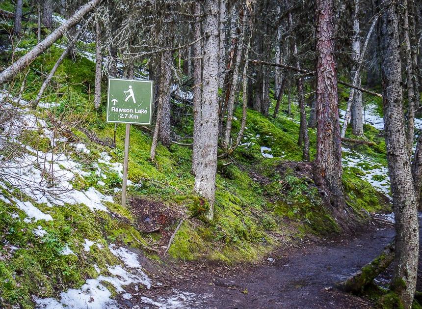 Sign pointing to Rawson Lake