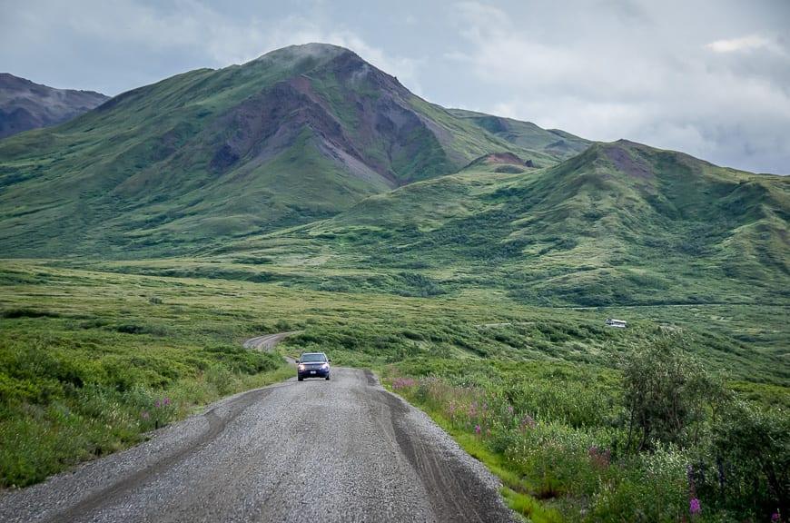Driving towards Wonder Lake via denali park road