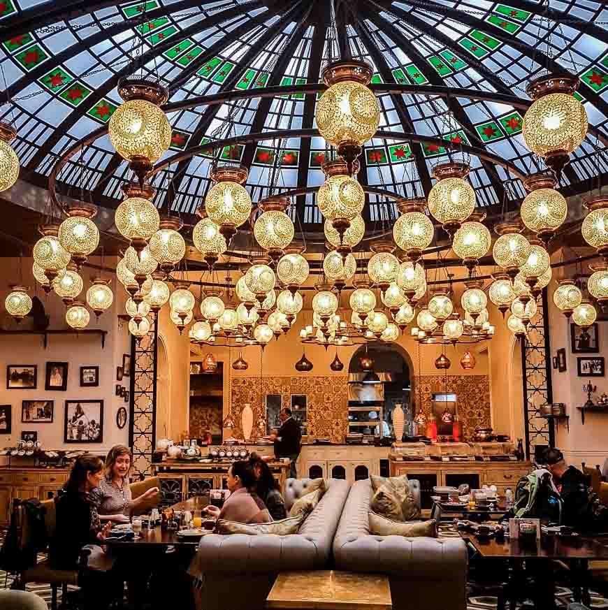 Fairmont Amman breakfast room