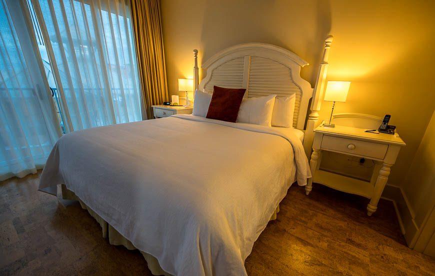 Nice sized bedroom at Hotel Eldorado