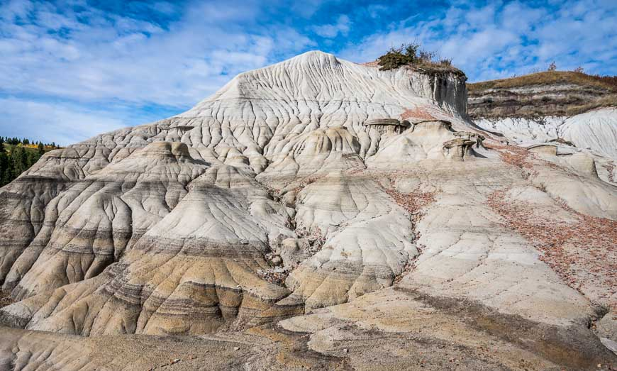 Fantastic Canadian Badlands Scenery In Big Knife Provincial Park