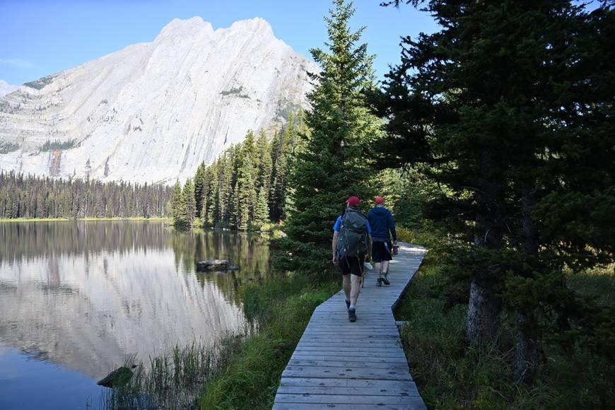 Elk Lakes Petain Falls hike
