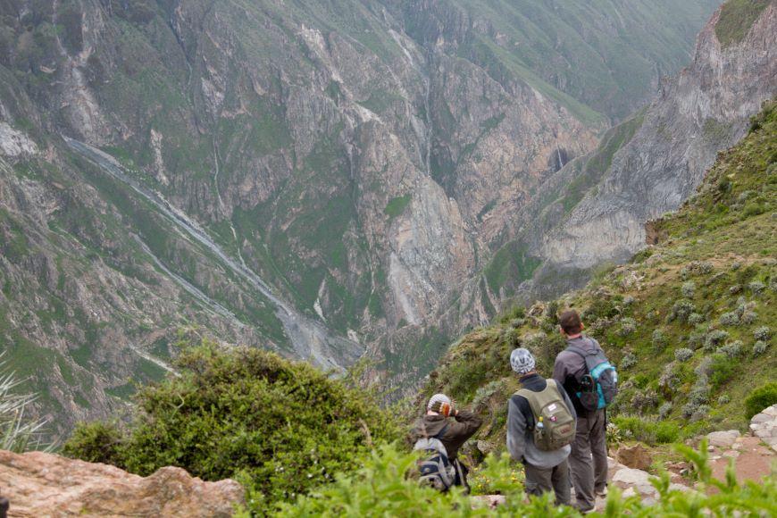 Hiking in Colca Canyon - Photo credit: Renzo Tasso/PromPeru