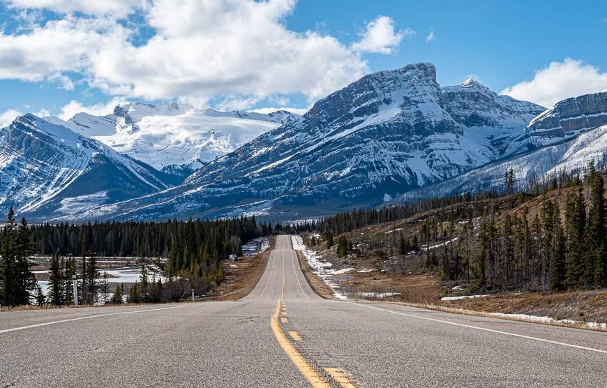 Gorgeous mountain scenery west of Nordegg on the David Thompson Highway