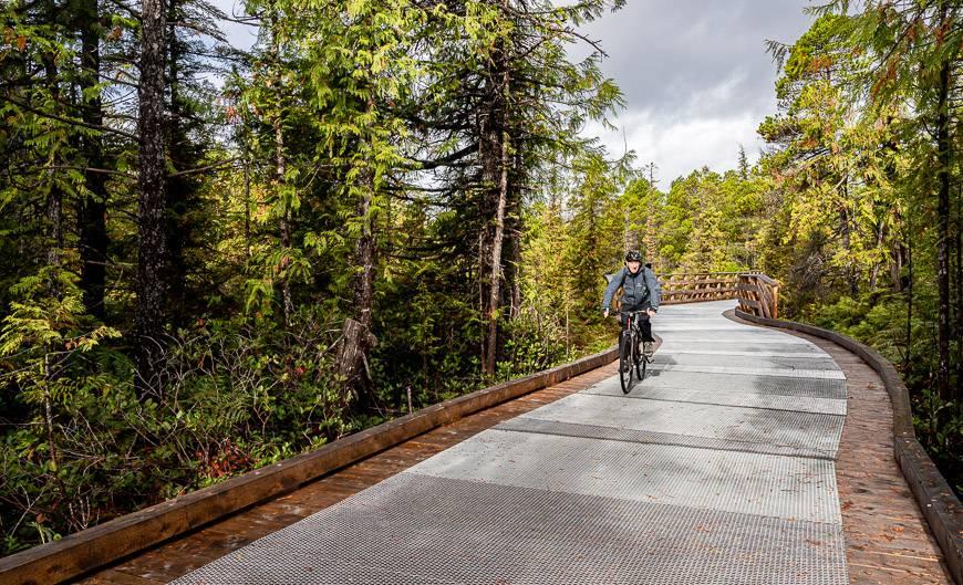 Lovely biking on well-designed boardwalks over sensitive bogs